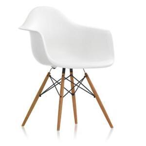 Sedia A Dondolo Vitra.Vitra Sedia Daw Charles Ray Eames Bianco Acero