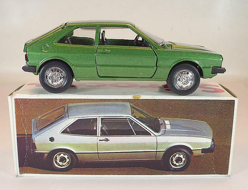 SCHUCO 1 43 VOLKSWAGEN VW SCIROCCO TS vert dans publicitaires-Box  2160
