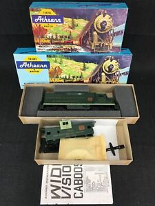 Athearn-HO-Scale-NMRA-50th-Anniversary-Diesel-Locomotive-Powered-w-Caboose-NEW
