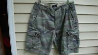 American Eagle Outfitters Classic Camo Print Cargo Short Men - 26