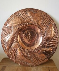 Stunning-signed-Newlyn-copper-charger-plate-Arts-And-Crafts-Movement