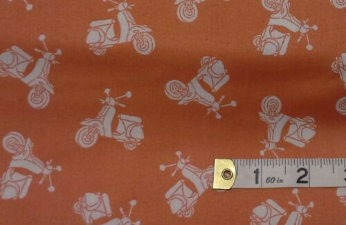 fat quarters Vacation Scooter Fabric The Henley Studio 1655 N 100/% cotton