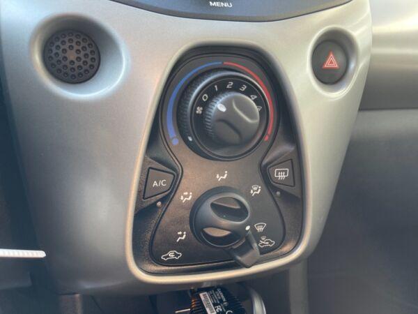 Peugeot 108 1,0 e-VTi 69 Urban billede 12