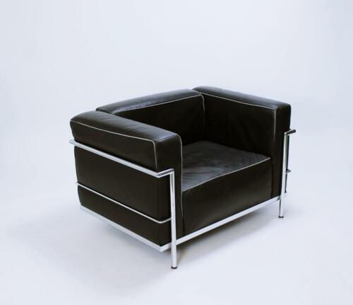 LC3 Black Leather Lounge Chairs by Le Corbusier for Alivar Mvsevm Italy 1980