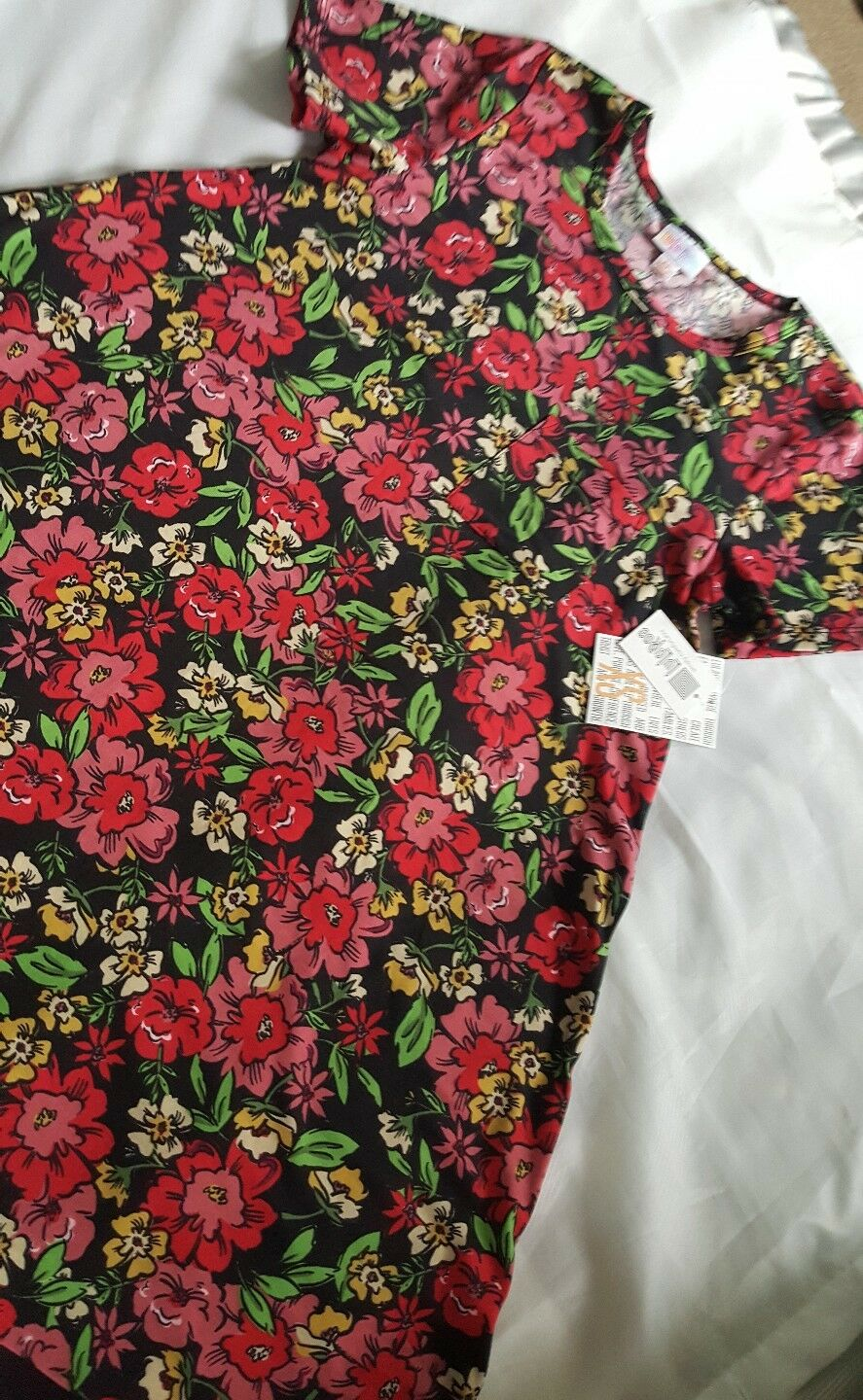 NWT LuLaRoe XS  Carly Pink Red Floral Dipped Dipped Dipped Polka Dots  X Small Unicorn   15893f