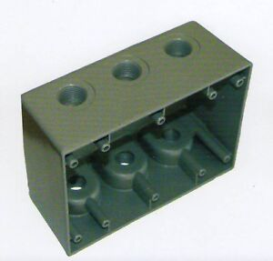 3 Gang Bell Outdoor Weatherproof Outlet Box 7 Threaded Holes 1 2 3