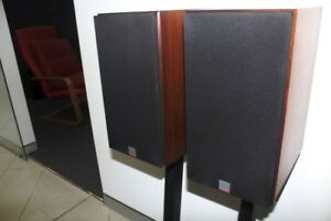 Dynaudio-Contour-1-3MK1-compact-two-way-bookshelf-speakers-in-used-cond