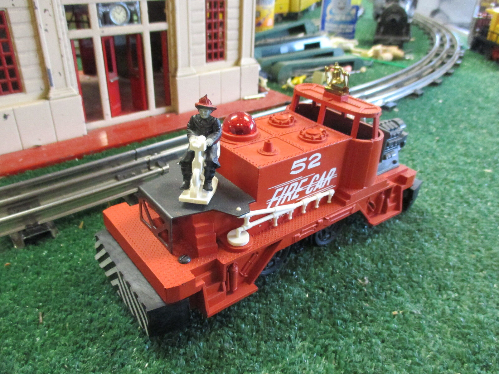 LIONEL POSTWAR 52 FIRE FIGHTING MOTORIZED UNIT EXCELLENT CONDITION MINOR REPAIR