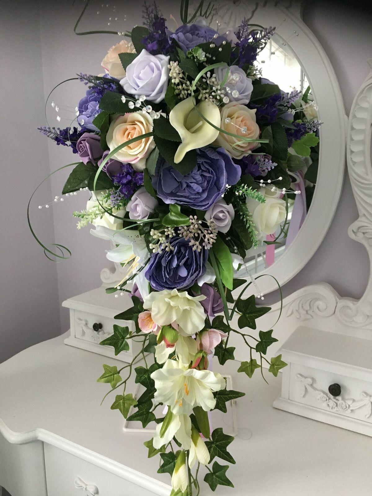 Bridal teardrop shower bouquet natural summer look
