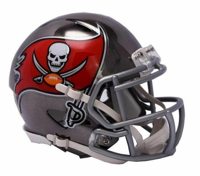 Medium Black//Red Riddell NFL Tampa Bay Buccaneers Replica Mini Helmet