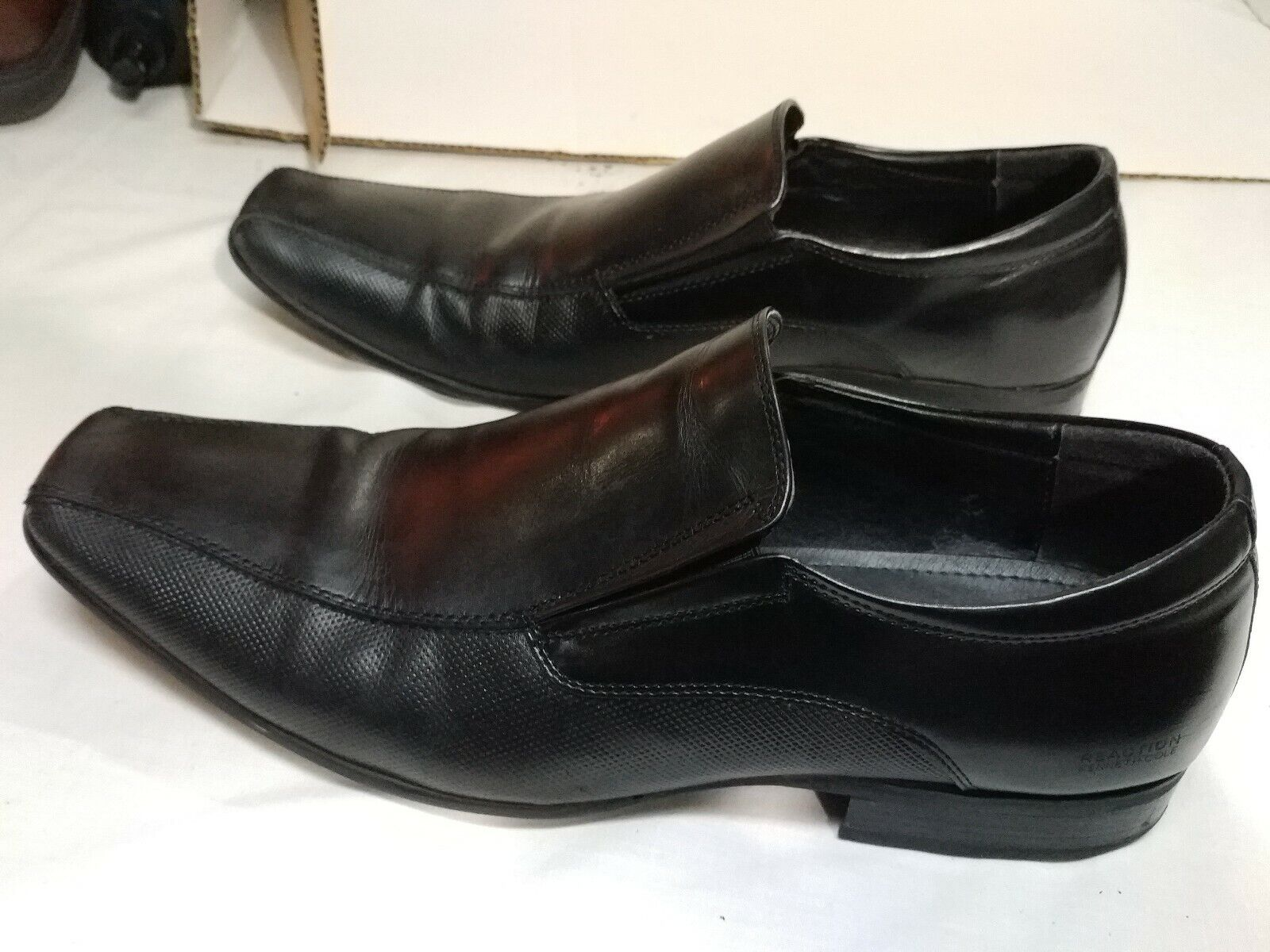 KENNETH COLE REACTION OTHER HALF BIKE TOE LOAFER IN BLACK preowned 11m