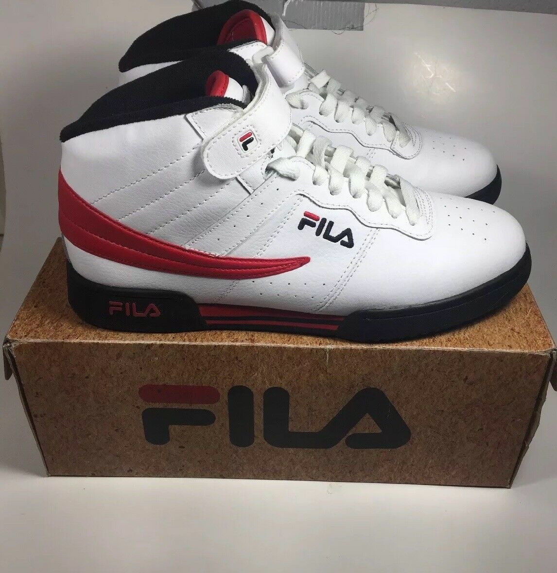 Mens Fila F-13V LEA/SYN  White Black & Fila Red With Box Pre-Owned Comfortable Seasonal clearance sale