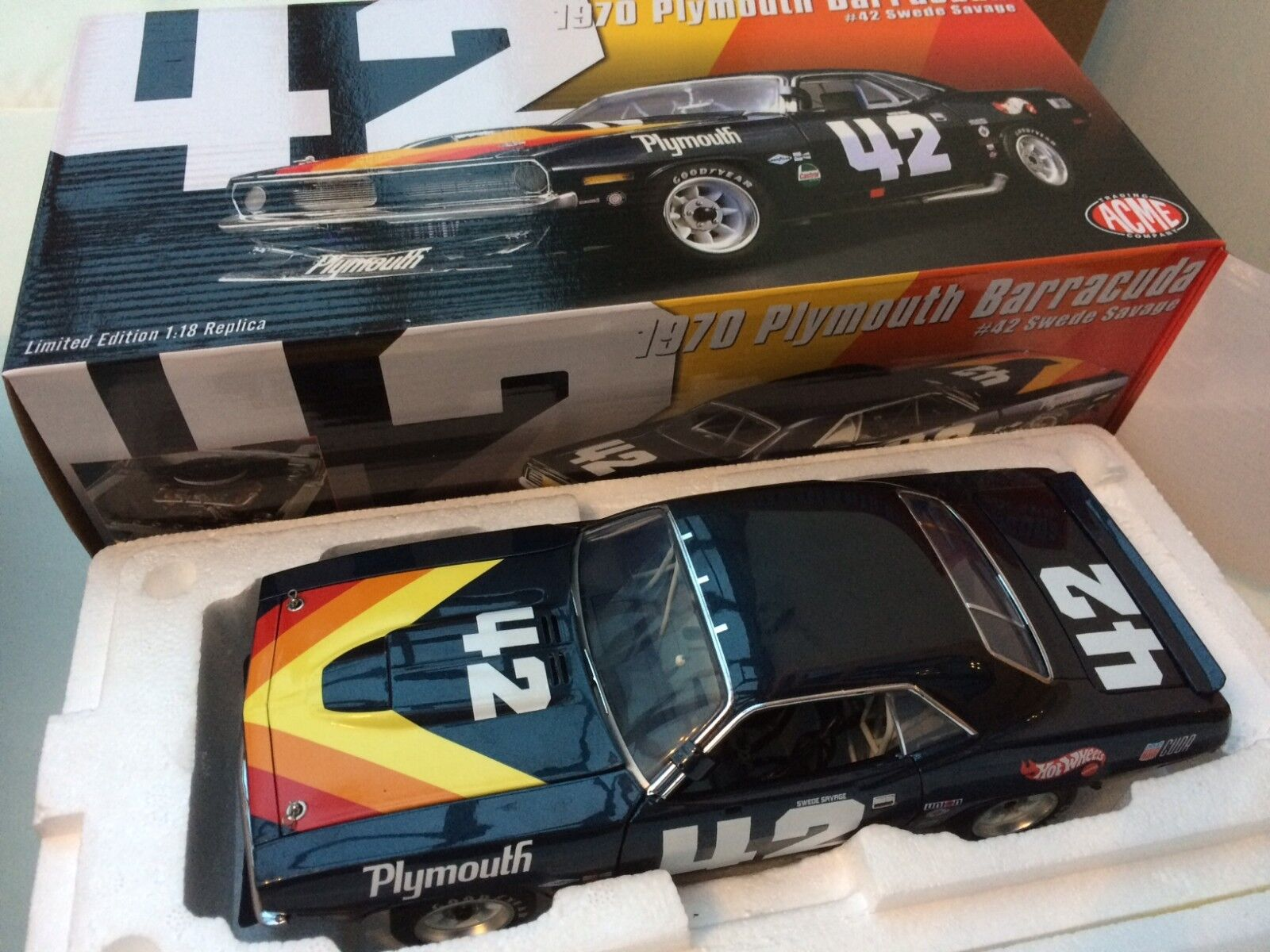 ACME 1806103 1806108 PLYMOUTH Trans Am BARRACUDA 1970 diecast models Savage 1 18