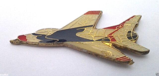F-100 SUPER SABRE JET 64-68 Military Veteran US AIR FORCE Hat Pin P62767-2 EE