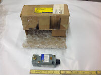 Square D 9007c54a2p13y1905 Limit Switch 600v 10amp. In Distressed Box