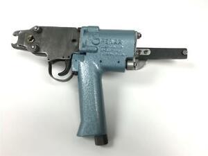 Stanley-Spenax-SC6-Pneumatic-Hog-Ring-Ringer-Stapler-Fastener-Upholstery-Tool