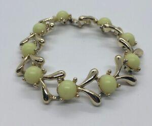 Vintage-Bracelet-7-Lucite-Gold-Tone
