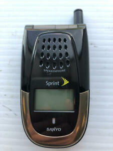 Sanyo SCP-2400 Black and Gold Flip Phone