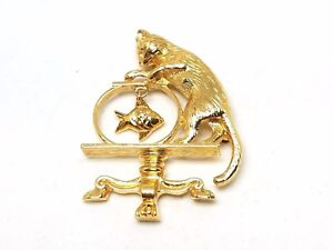 Avon-Cat-Going-After-Fish-in-Bowl-Vintage-Pin