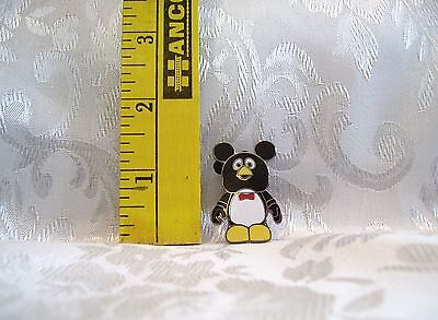 Walt Disney VINYLMATION PIXAR WEEZY FROM TOY STORY TRADING Hat Lapel Pin Badge
