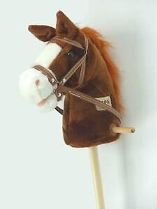 Steckenpferd Schaukelpferd Reitpferd Pferd am Holz Stab Plüsch in braun ST03