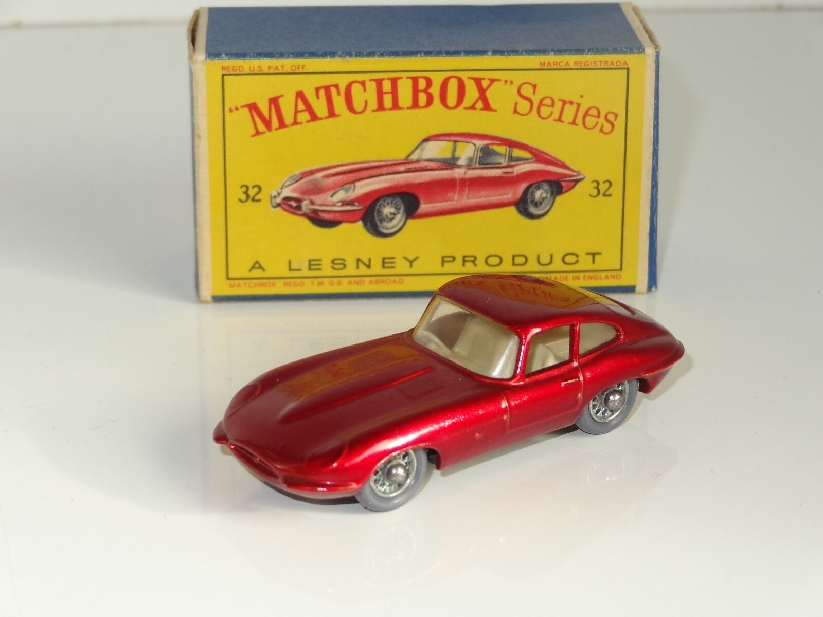 (EB) lesney matchbox JAGUAR E TYPE grau plastic spoked wheels - 32