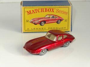 EB-lesney-matchbox-JAGUAR-E-TYPE-grey-plastic-spoked-wheels-32