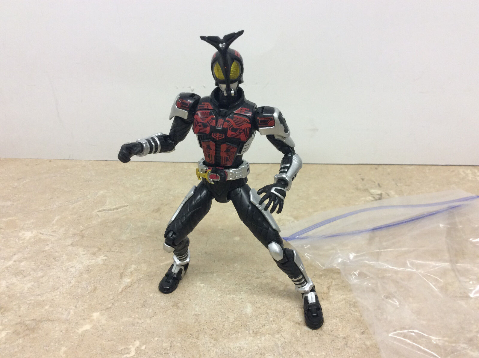 Bandai S.H.Figuarts Kamen Rider Masked Rider Dark Kabuto Figure & Accessories