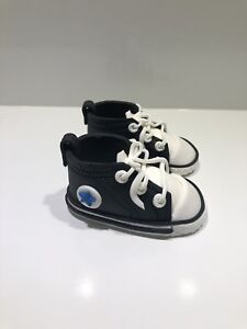 Image is loading 1-Pairs-Converse-3D-Shoes-Edible-Cake-Toppers- 1e8052774