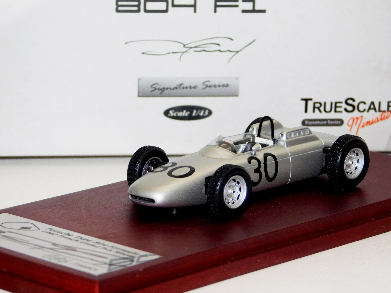 Porsche 804 F1  30 ganador francés Grand Prix 1962 firmado por Gurney Lim. TrueScale 1 43