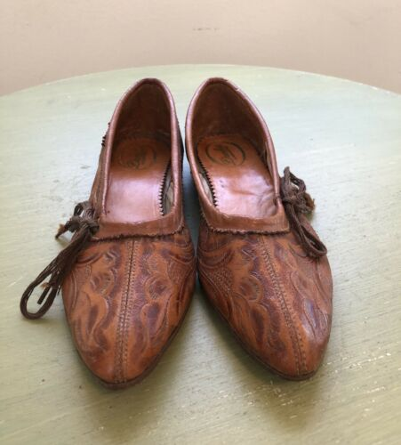 Vintage Danher Hand Tooled Leather Shoes 40's 50's