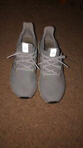 Men's Adidas Ultra Boost Size 11 Grey