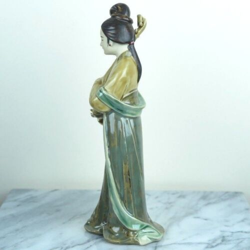 "Chinese Traditional Lady Beauty Plays Pipa Instrument Porcelain Figurine 10/""H"