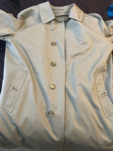 Burberry Vintage Mens Trench Coat 40R Beige Tan Re