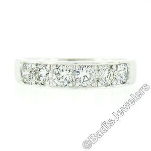 18K White Gold 1.02ctw Round Pave Diamond Classic Polished Wedding Band Ring