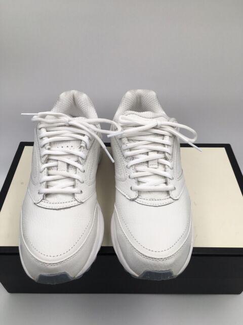 Addiction Walker White Walking Shoes