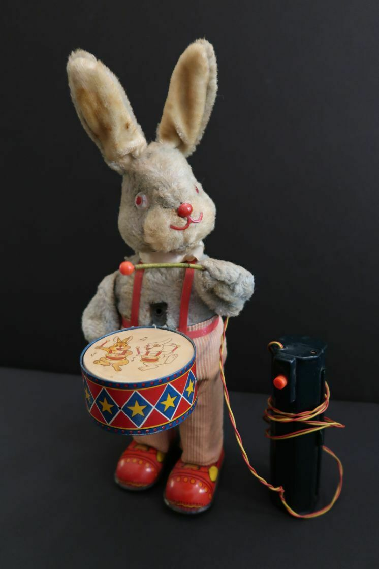 All Original Peter The Drumming Rabbit Battery Operated Japan 1950 's
