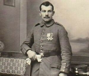 WW1-WAR-MEDAL-RECIPIENT-IRON-CROSS-MILITARY-ANTIQUE-RPPC-PHOTO-POSTCARD
