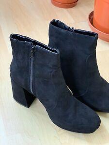 DOROTHY PERKINS BLACK Velvet Ankle