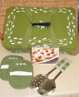 Temp-tations Tote Bag Insulated Old World 2/servers Recipe 2/mitts K40515 Green