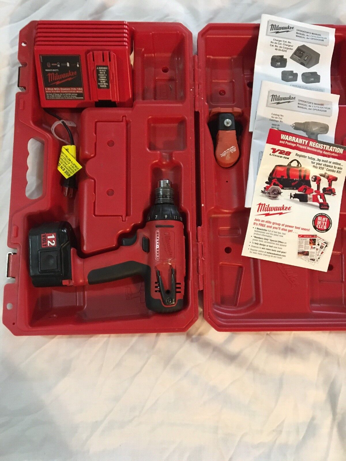 Milwaukee 12V 3 8  Drill Driver w  Battery & Charger + Carrying Case + Manuals