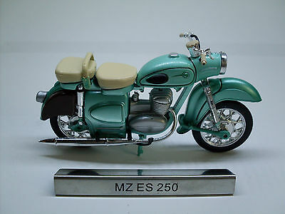 MZ ES 250 Green Motorcycle Moped GDR Vehicle Model 1:24, Atlas Magazine Model