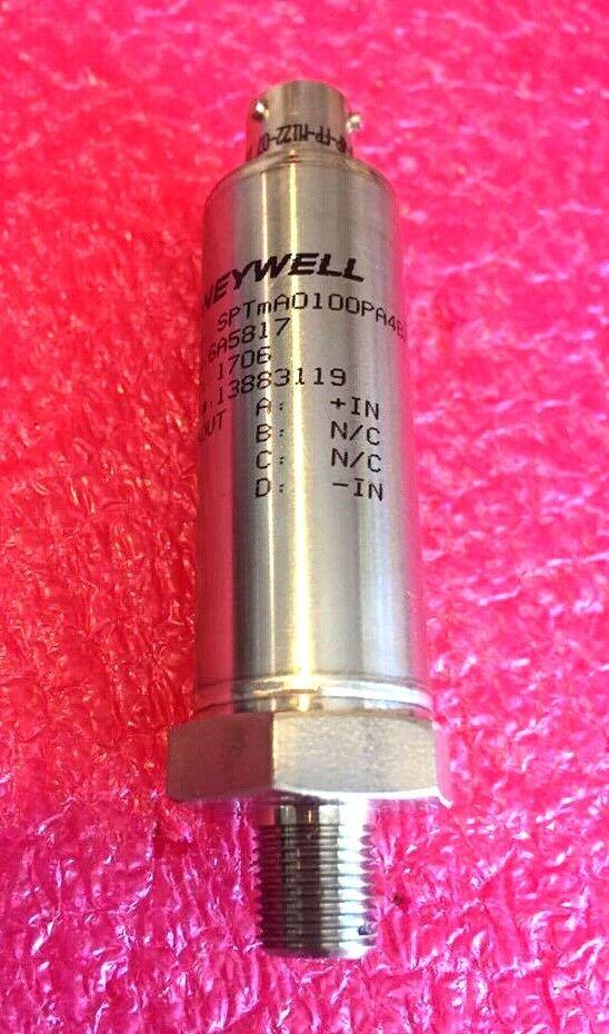"4/"" Dual barbed port *NEW* Honeywell XCXL004DNC Pressure Transducer"