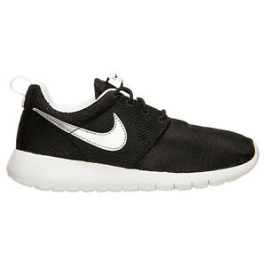 cheap for discount b9e2e f23a5 Image is loading Nike-Roshe-One-GS-Black-Metallic-Silver-White-
