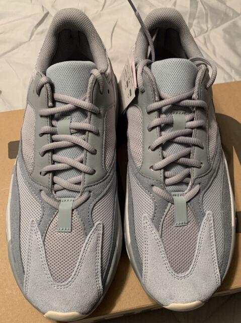 adidas Originals Yeezy Boost 700