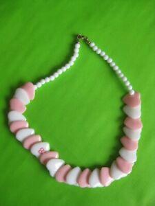 Collier-Barbie-Coeurs-et-perles-blanches-Plastique-Annees-80