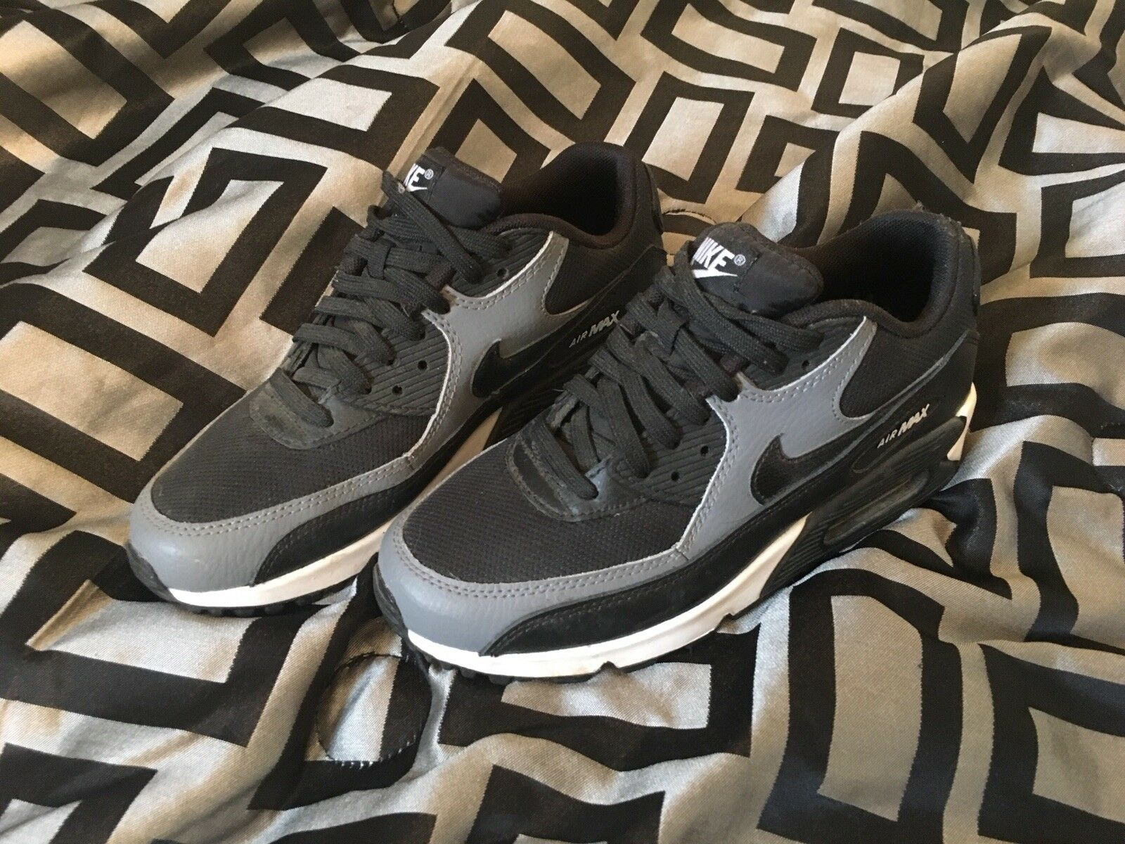 [325213-037] NIKE AIR MAX 90 BLACK GREY WOMENS SHOES Leather / Suede Sz 7