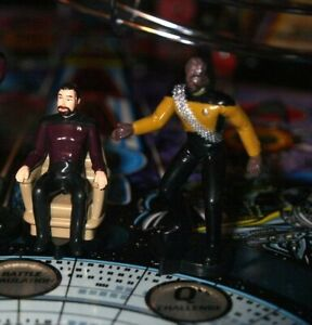 Star Trek TNG pinball machine mod mini figures ( 5 pieces ) Worf Data Riker +2