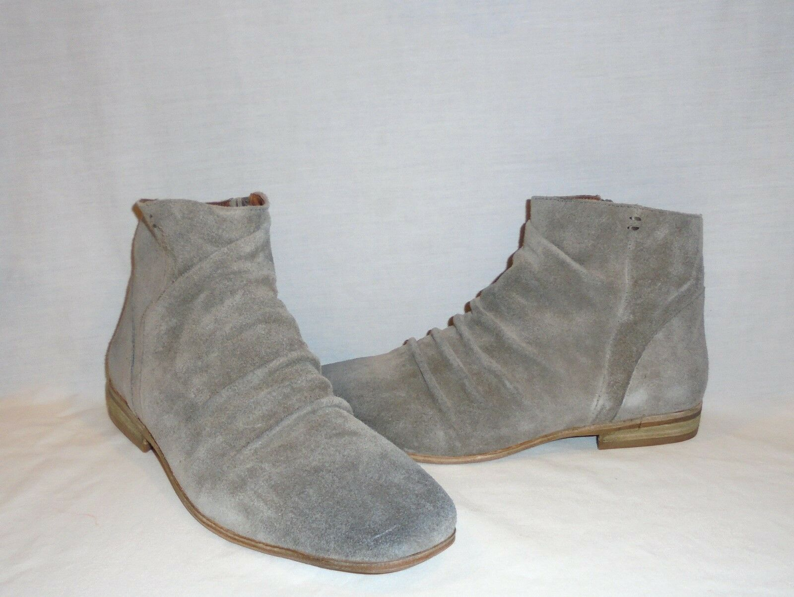 Jeffrey Campbell Women's Speir Ruched Suede Ankle Boot Retail  198 size 7