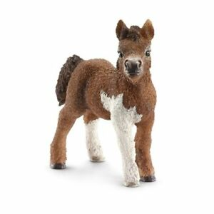 Schleich Horse Club Animals & Dinosaurs English Thoroughbred Horse Toy Figure & Blanket